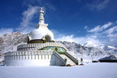 Shanti stupa in leh — Stock Photo