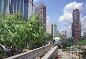 Skytrain i staden — Stockfoto