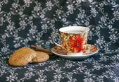 Kopje thee en havermout cookies — Stockfoto