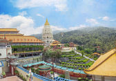 Buddhist temple Kek Lok Si in Malaysia, Georgetown — Stock Photo