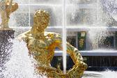 Statue of Samson in Peterhof — Stock Photo