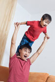 Father and son playing — Foto Stock