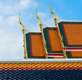 Tradition roof style on the temple of thailand — Stock Photo