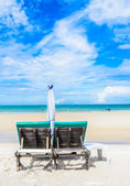 Bed on the beautiful beach on the bluesky in Thailand — Stock Photo