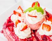 Strawberry waffle — Stock Photo