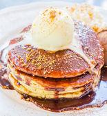 Icecream pancake — Stock Photo