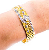 Gold bracelet — Stock Photo