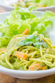 Spaghetti pesto sauce — Stock Photo