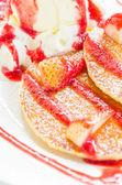 Pancakes strawberry — Stock Photo