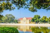Het platform bang pa in paleis van thailand — Stockfoto