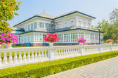 Beautiful home exterior — Stock Photo