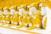 Monkey statue in temple — Stockfoto