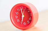 Red clock process retro vintage effect — Stock Photo