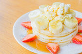 Pancake strawberry banana — Stock Photo
