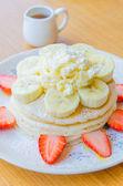 Frittelle di banana fragola — Foto Stock