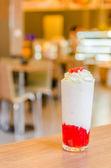 Jahodový koktejl — Stock fotografie