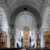 Interior of the St. Michael Church in Munich, Germany — Stock Photo