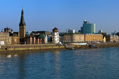 Embankment of the Rhine river in Dusseldorf — Stock Photo