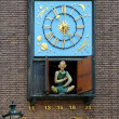 Clock with figure of Schneider Wibbel in Dusseldorf — Lizenzfreies Foto