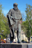 Monument to the russian writer Lev Tolstoy in Tula — Stock Photo
