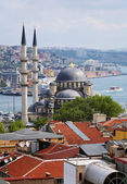View of Yeni Moscque, districts Eminonu and Beyoglu and Bosphorus — Stock Photo