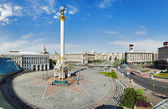 Independence Square with monument to Berehynia in Kyiv — Stock Photo