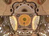 Decken- und kuppel der süleymaniye moschee in istanbul — Stockfoto