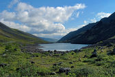Dlinnoe lake in Khibiny Mountains, Russia — Stock Photo