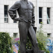 Monument to John James Hughes - founder of Donetsk, Ukraine — Stock Photo