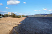 Shore of the Amur River in Komsomolsk-on-Amur — Stock Photo