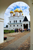 Catedral de la trinidad en el monasterio ipátiev, kostroma — Foto de Stock