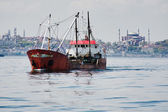 Fishing ship in the Marmara Sea in Istanbul — Stock Photo