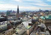 Vista di amburgo e le chiese di san nicola e san michele — Foto Stock