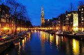 Vista de noche en la iglesia occidental en amsterdam — Foto de Stock