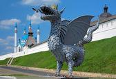 Metal sculpture of Zilant, official symbol of Kazan, Russia — Stock Photo