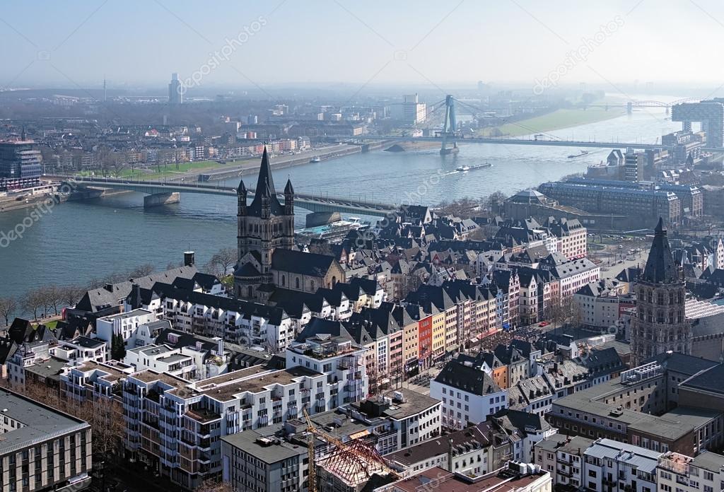 Vista dal duomo di colonia sul fiume reno e la citt for Piani di progettazione di ponti gratuiti
