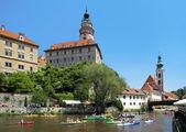 Cesky Krumlov Castle and rafting on Vltava river — Stock Photo