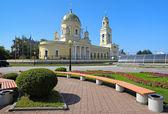 Trefaldighetskyrkan i yekaterinburg, ryssland — Stockfoto