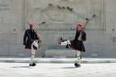 Greek guards (evzones) in Athens, Greece — Stok fotoğraf