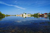 Siverskoye Lake and Kirillo-Belozersky Monastery — Stock Photo