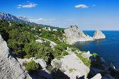 View on mountain Ai-Petri, town Simeiz and Panea and Diva rocks — Foto Stock