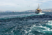 Passenger ship in the Bosphorus Strait in Istanbul — Stock Photo