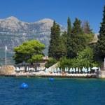 Beach on the coast of Kotor Bay, Montenegro — Stock Photo #34610483