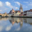Regensburg Cathedral and Stone Bridge in Regensburg, Germany — Stock Photo
