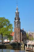 Mince věž v Amsterdamu, Nizozemsko — Stock fotografie