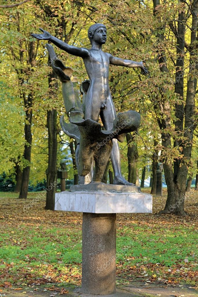 Erhalten Sie nackt Skulptur (Denkmal von FKK) in