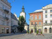 W rogu rynku głównego i widok katedra łacińska we lwowie — Zdjęcie stockowe