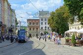 Marktplein in lviv, oekraïne — Stockfoto