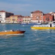 Boats and river buses and houses of Venice, Italy — Stockfoto #15766125