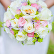 Engagement rings on wedding bouquet — ストック写真